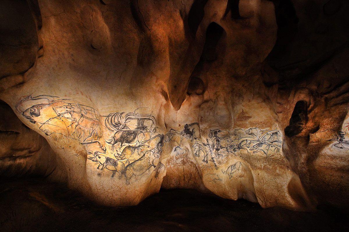 The Chauvet - Pont d'Arc cave - Le panneau des lions ©Patrick Aventurier